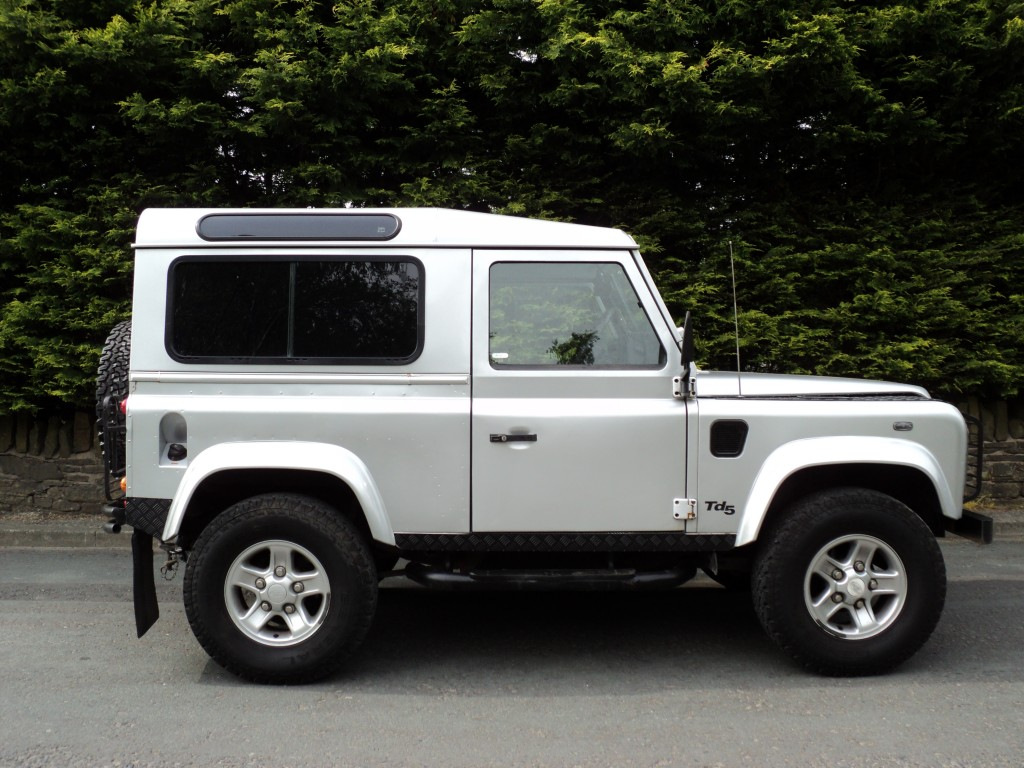 LAND ROVER DEFENDER 2.5 90 COUNTY S/W TD5