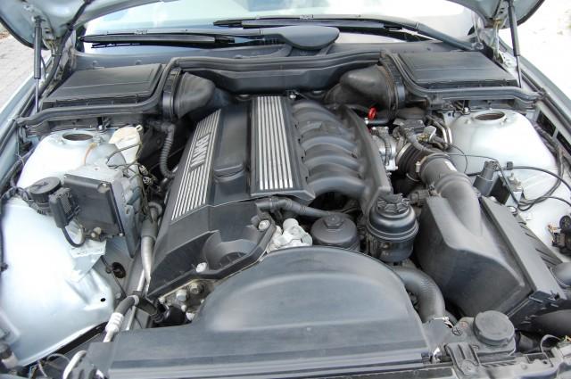 BMW 5 SERIES 2.5 523I SE 4DR