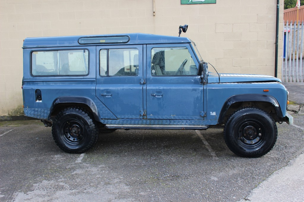 LAND ROVER DEFENDER 2.5 110 COUNTY TDI 5DR