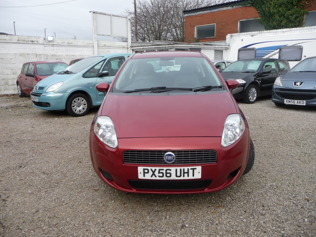 fiat grande punto 1 4 dynamic 8v 3dr for sale in chorley. Black Bedroom Furniture Sets. Home Design Ideas