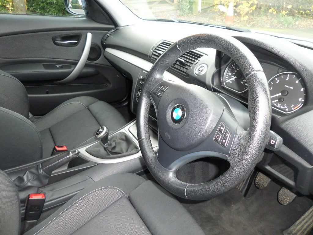 BMW 1 SERIES 2.0 116I SPORT 5DR
