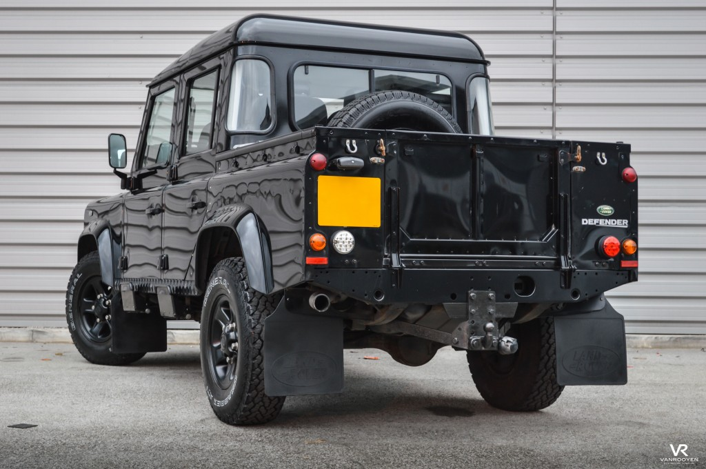 VR Warrington, LAND ROVER DEFENDER 2.4 110 XS DCB For Sale in ...