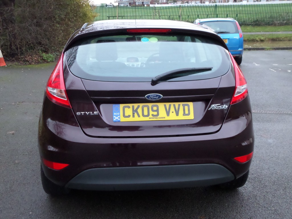 FORD FIESTA 1.2 STYLE PLUS 3DR