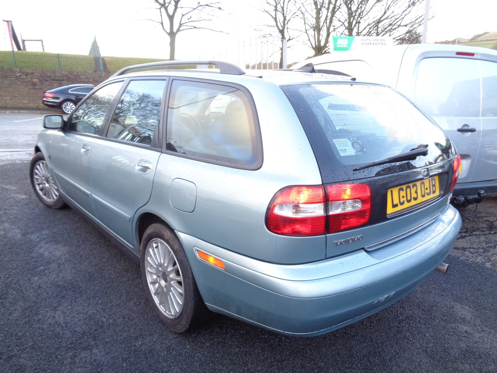VOLVO V40 1.8 SE 5DR AUTOMATIC