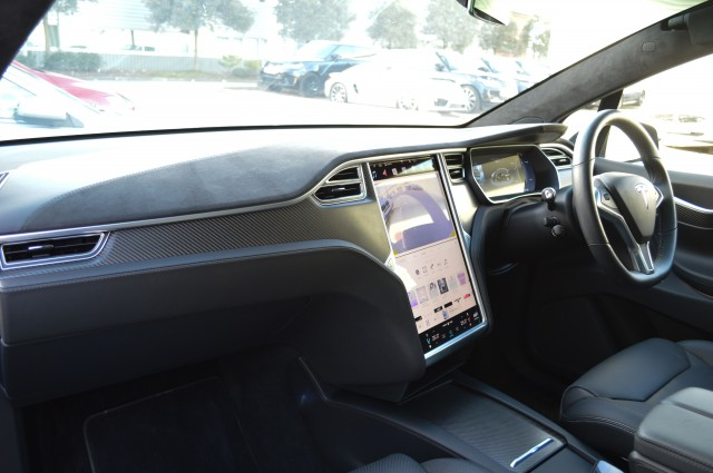 2017 (17) TESLA MODEL X 90D 5DR AUTOMATIC | <em>3,744 miles