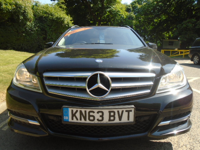 MERCEDES-BENZ C-CLASS 2.1 C200 CDI BLUEEFFICIENCY EXECUTIVE SE 5DR AUTOMATIC