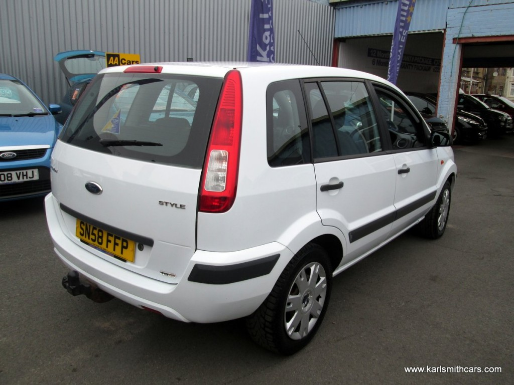 FORD FUSION 1.4 STYLE CLIMATE 5DR