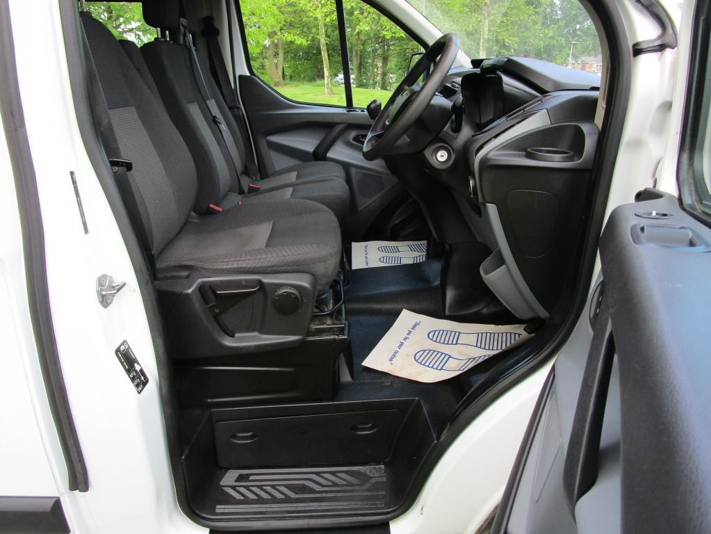FORD TRANSIT CUSTOM L2 290 FACTORY CREW CAB (6 SEATS) - FSH