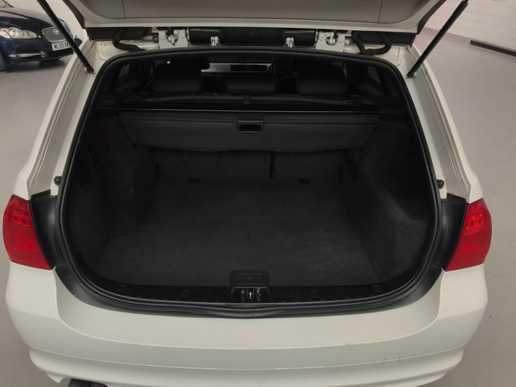 BMW 3 SERIES 3.0 330D AC TOURING 5DR