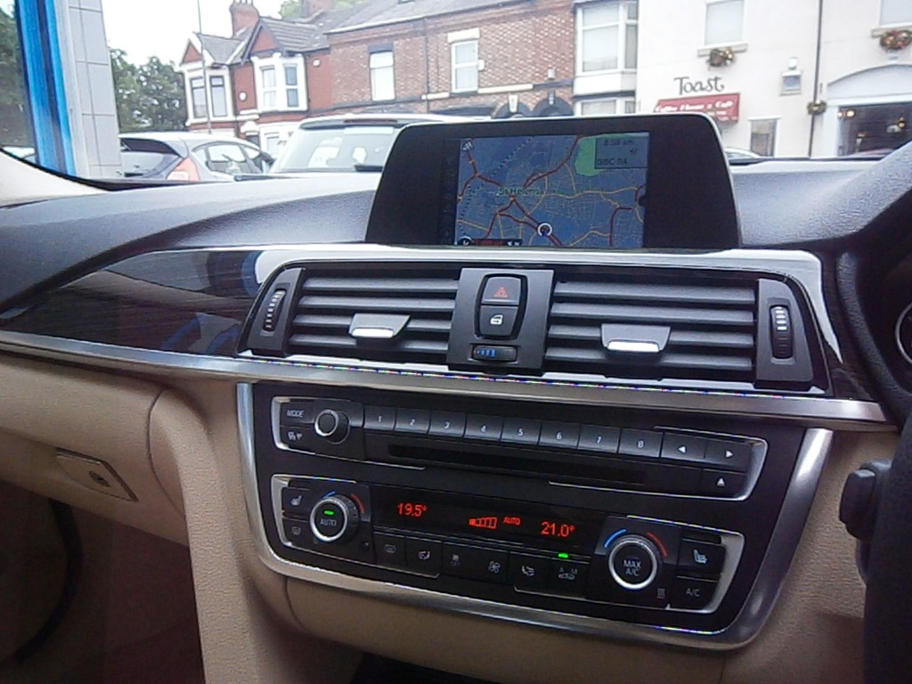 BMW 3 SERIES 2.0 320I LUXURY 4DR AUTOMATIC