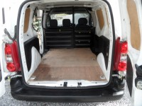 PEUGEOT PARTNER 1.6 HDI PROFESSIONAL 625 75 PROFESSIONAL VAN 3 SEATS - SIDE LOADING DOOR FACTORY BULK HEAD