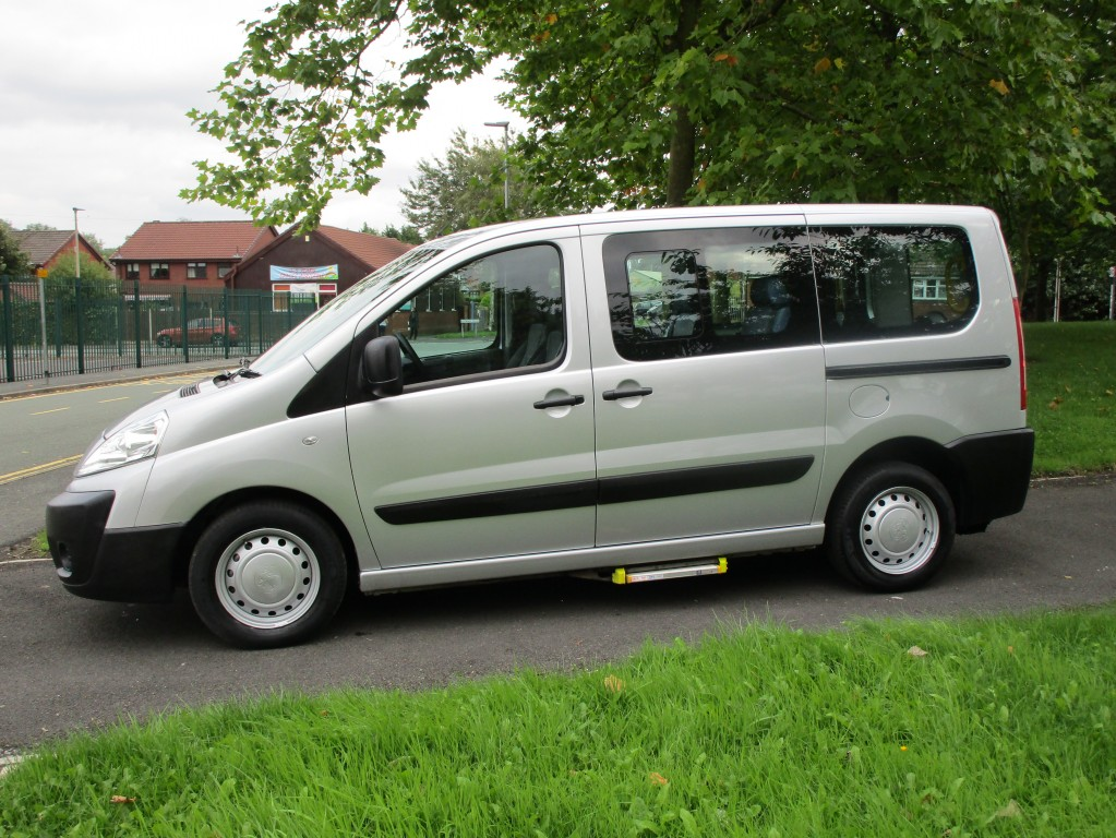 PEUGEOT EXPERT 1.6 TEPEE COMFORT L1 HDI 6STR 5DR- (WHEEL CHAIR ACCESS WITH RAMP AND WINCH)