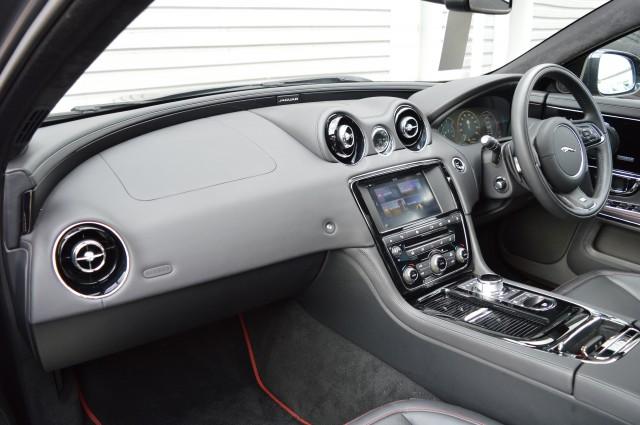 2017 (17) JAGUAR XJ 3.0 V6 R-SPORT 4DR AUTOMATIC | <em>7,778 miles