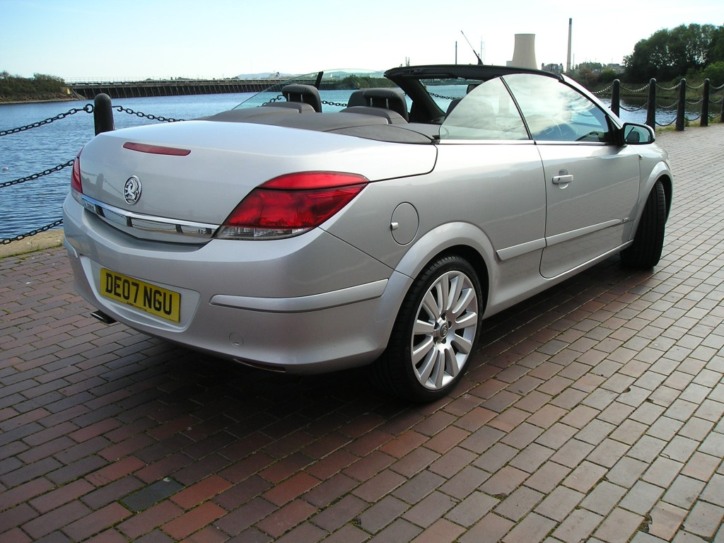 VAUXHALL ASTRA 1.8 TWIN TOP DESIGN 3DR