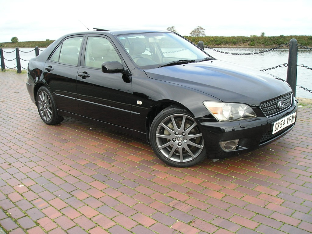 LEXUS IS 2.0 200 SE 4DR