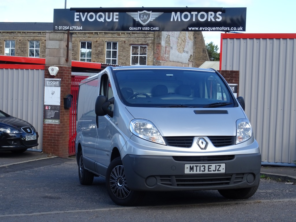 RENAULT TRAFIC 2.0 SL27 DCI S/R