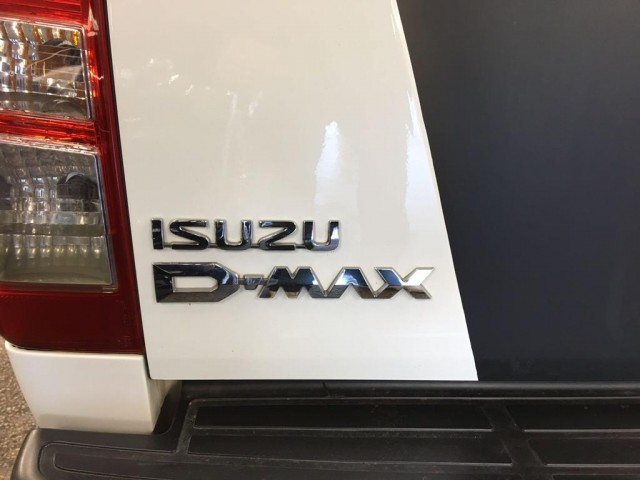 ISUZU D-MAX BLADE 2.5 TD BLADE DCB AUTOMATIC