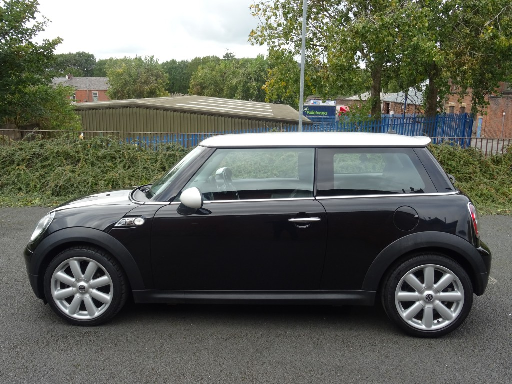 MINI HATCH 1.6 COOPER D 3DR AUTOMATIC