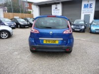RENAULT SCENIC 1.5 DYNAMIQUE TOMTOM DCI 5DR