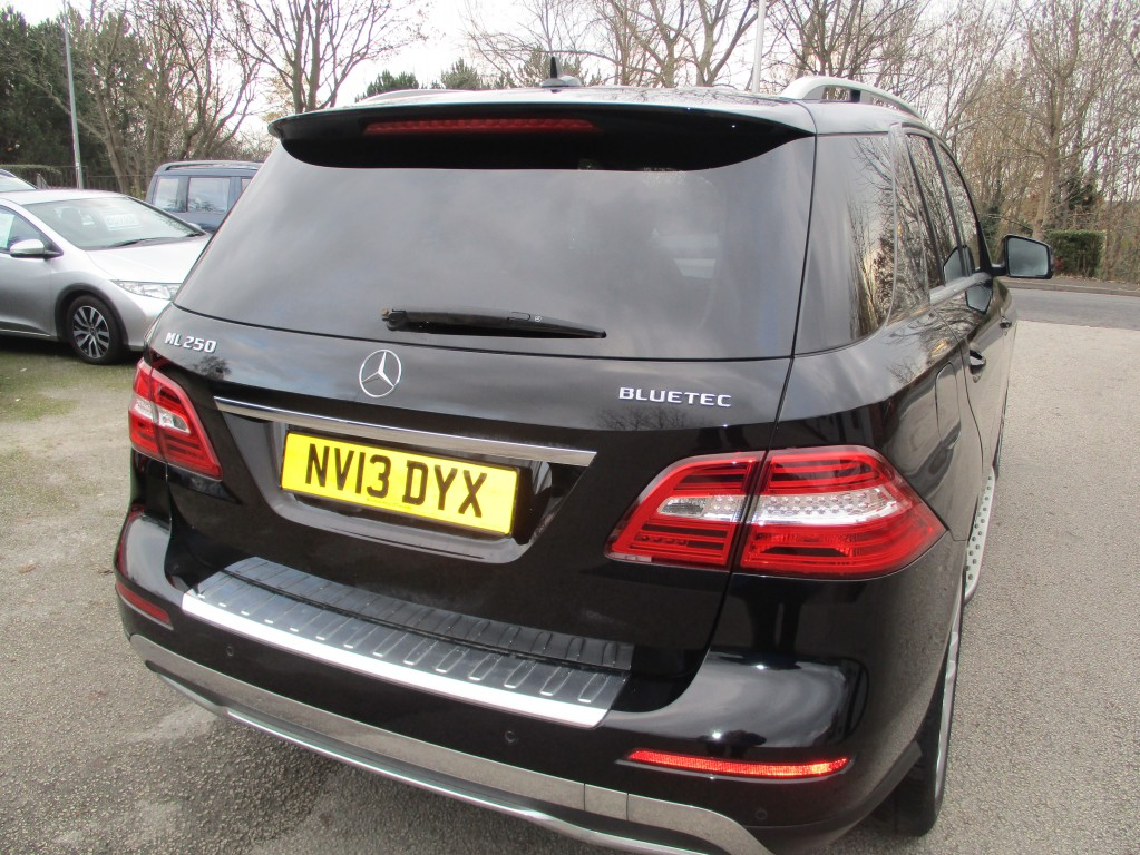 MERCEDES-BENZ M-CLASS 2.1 ML250 BLUETEC SE 5DR AUTOMATIC
