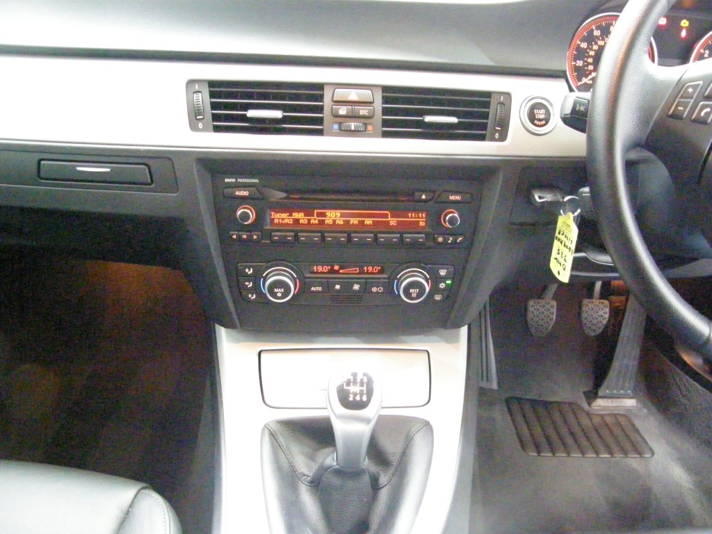 BMW 3 SERIES 3.0 325I SE 4DR