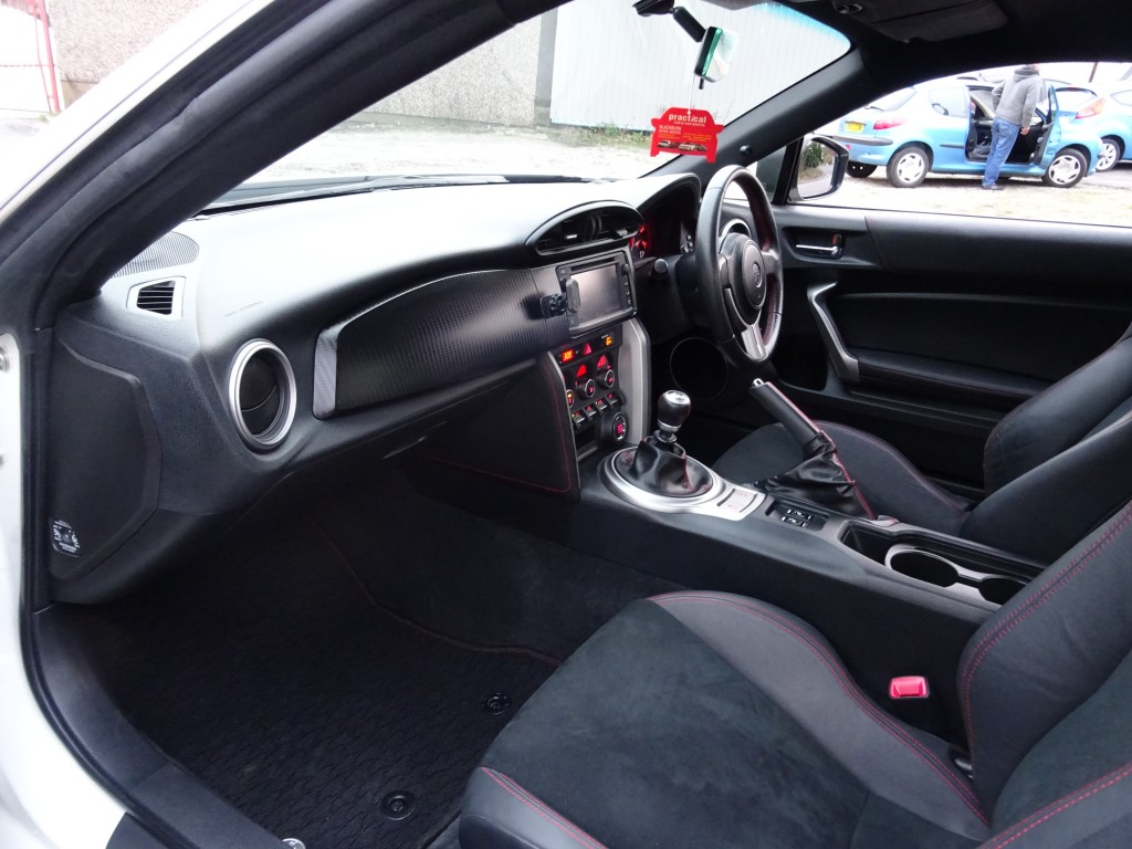 TOYOTA GT86 2.0 D-4S 2DR