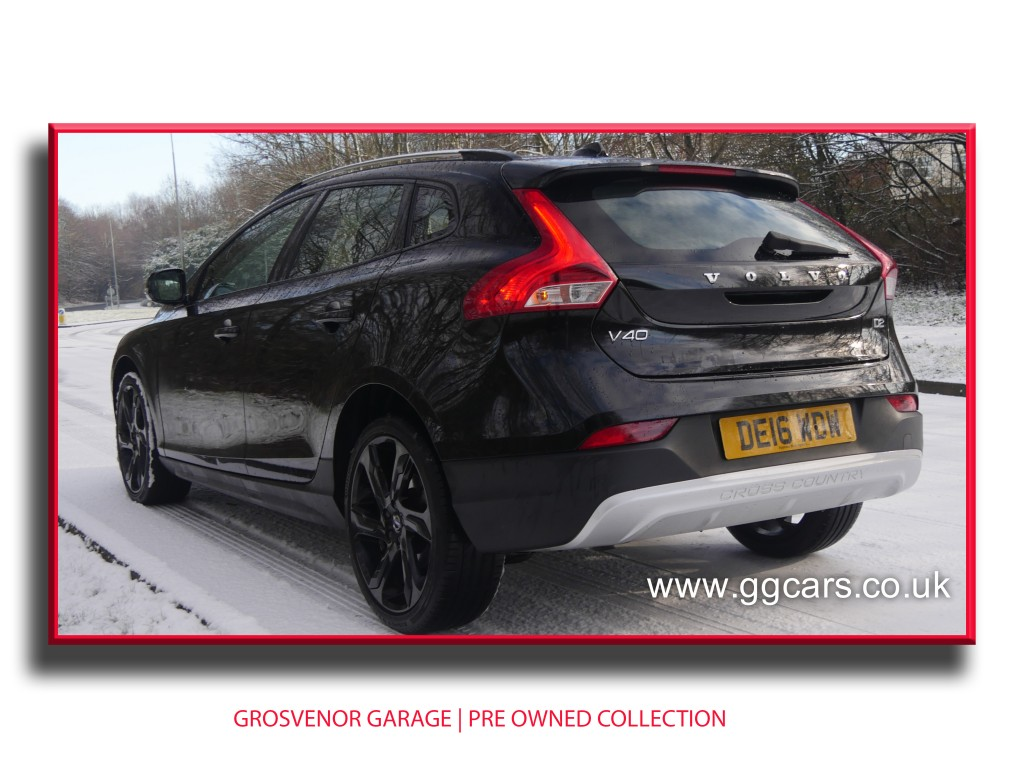 VOLVO V40 2.0 D2 CROSS COUNTRY LUX 5DR