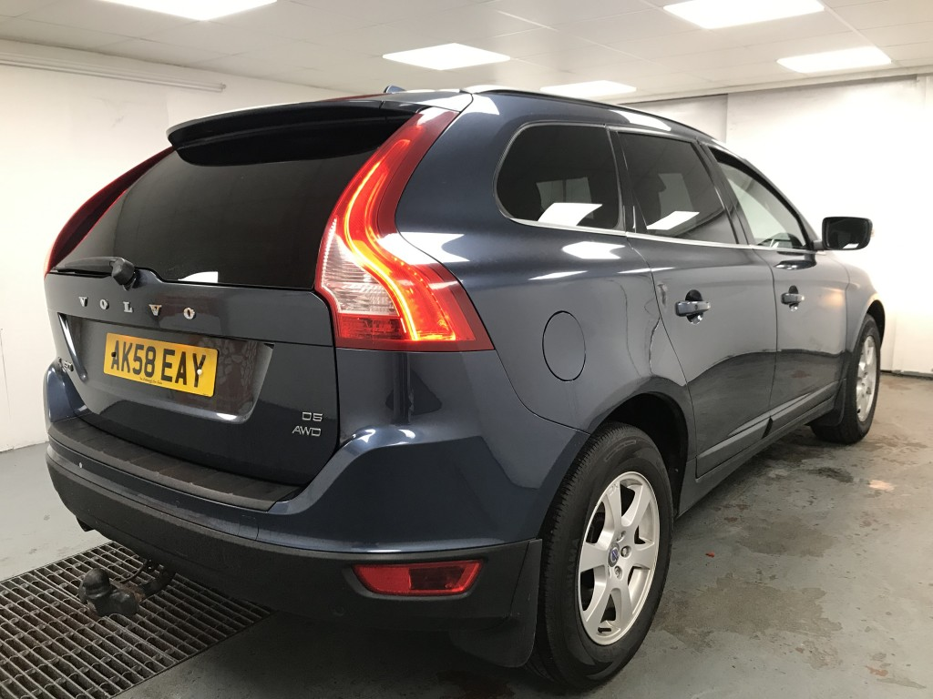 VOLVO XC60 2.4 D5 SE AWD 5DR AUTOMATIC