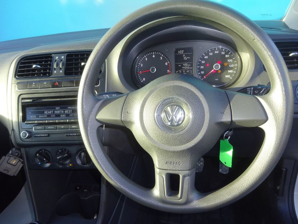 VOLKSWAGEN POLO 1.2 R-LINE STYLE AC 3DR