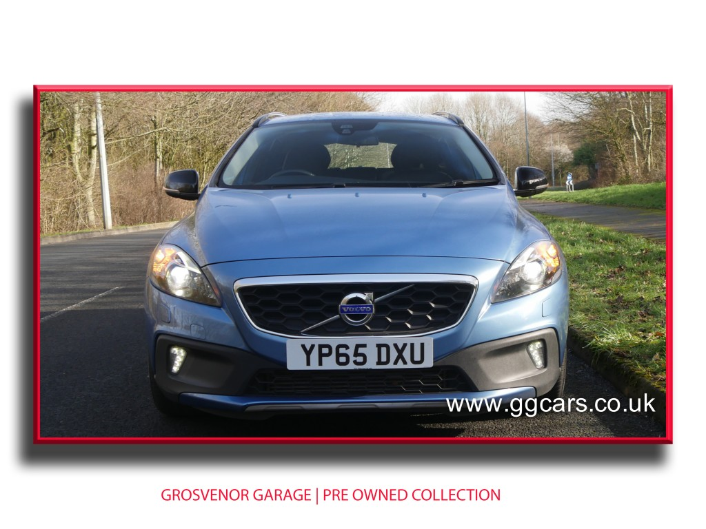 VOLVO V40 2.0 D2 CROSS COUNTRY LUX 5DR AUTOMATIC