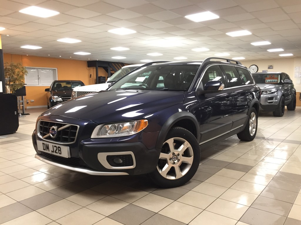 VOLVO XC70 2.4 D5 SE AWD 5DR AUTOMATIC