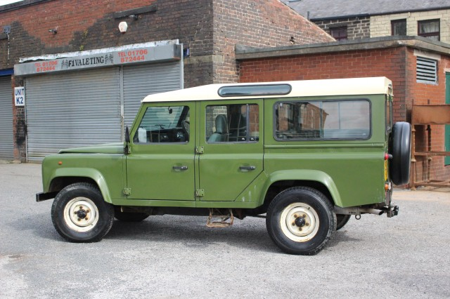 Used LAND ROVER Defender 110 2.5 110 COUNTY SW 12S TDI 5DR in Lancashire