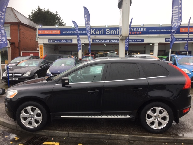 VOLVO XC60 2.4 D5 SE LUX AWD 5DR AUTOMATIC