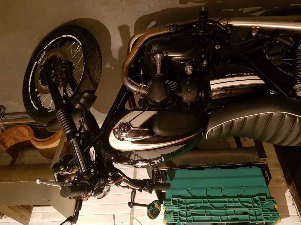 KAWASAKI W800 BLACK SPECIAL EDITION