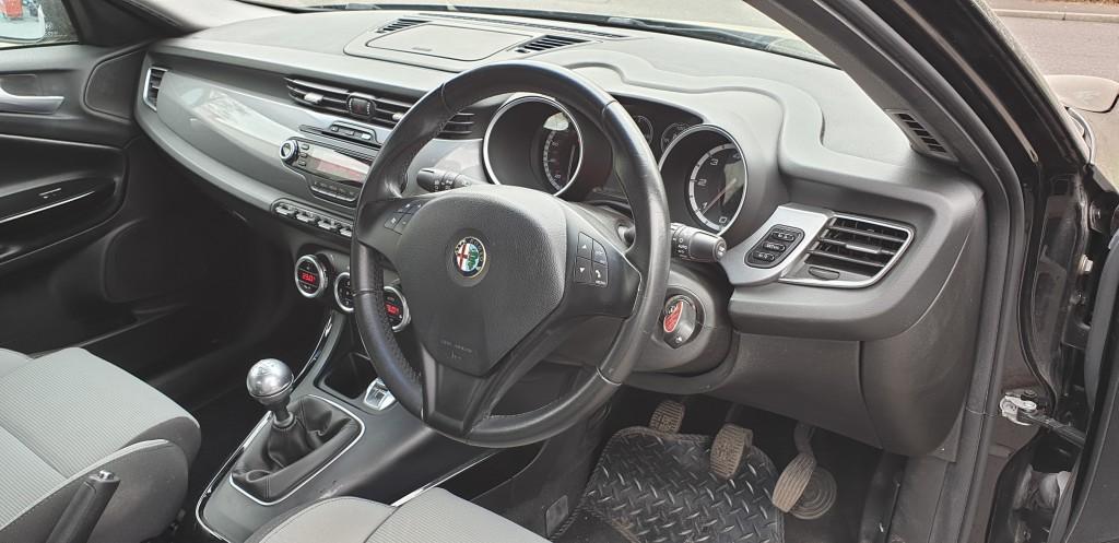 ALFA ROMEO GIULIETTA 1.6 JTDM-2 LUSSO 5DR