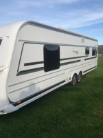 LMC 695 with full Isabella awning