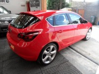 VAUXHALL ASTRA 1.4 TURBO SRI 5 DR HATCH 2012 1 PRE OWNER FROM NEW FSH BRIGHT RED A/C ALLOYS CRUISE IMMACULATE COND