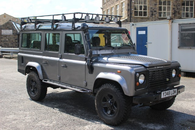 Used LAND ROVER DEFENDER 2.5 110 COUNTY S/W TD5 5DR in Lancashire