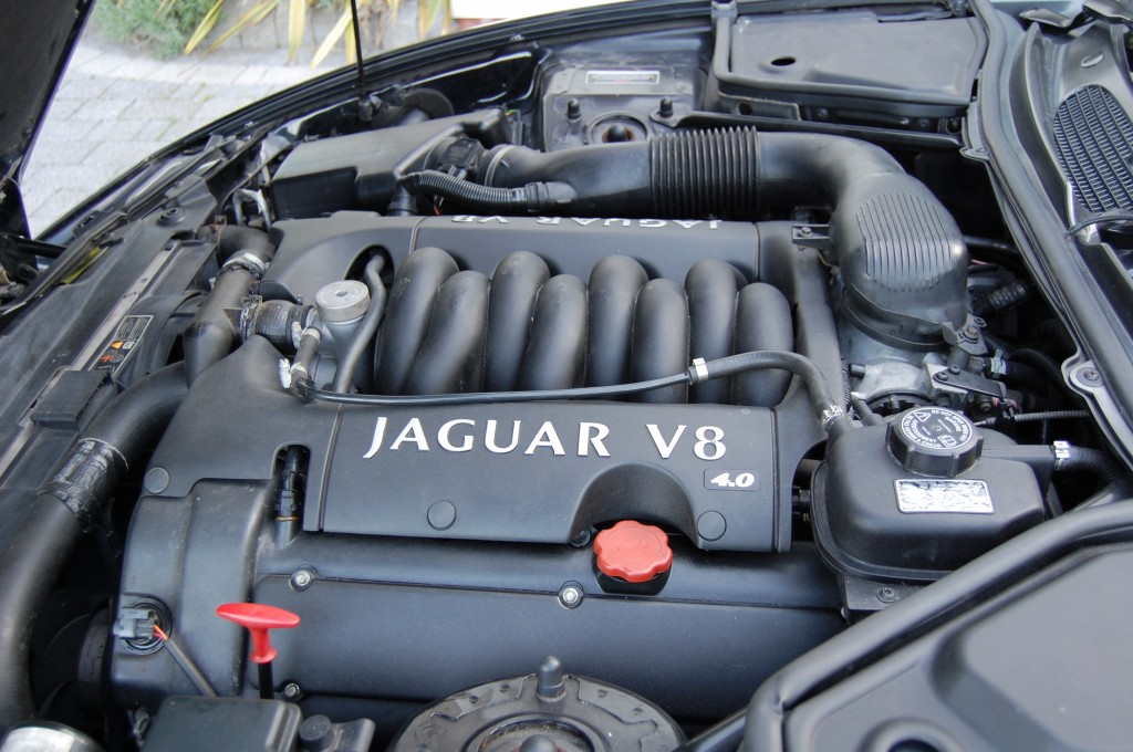 JAGUAR XK8 4.0 CONVERTIBLE 2DR AUTOMATIC