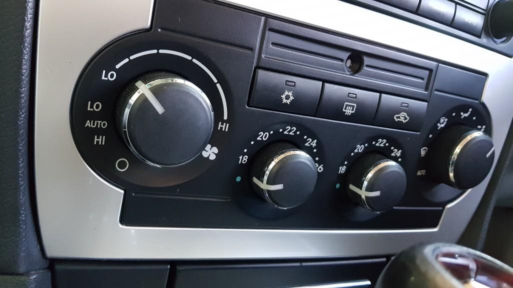 CHRYSLER 300C 3.0 CRD RHD 4DR AUTOMATIC