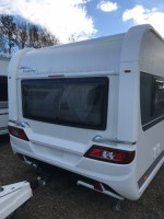HOBBY 620 cl single beds legal to tow