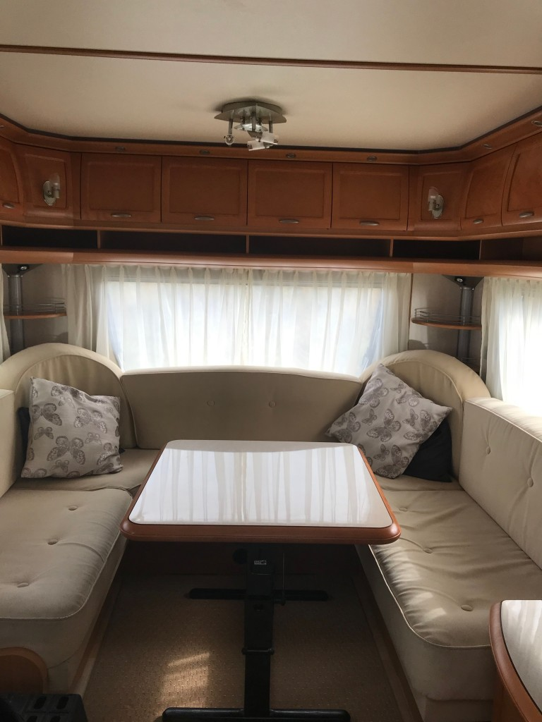 HOBBY 690 smf island bed with new awning for extra £1550