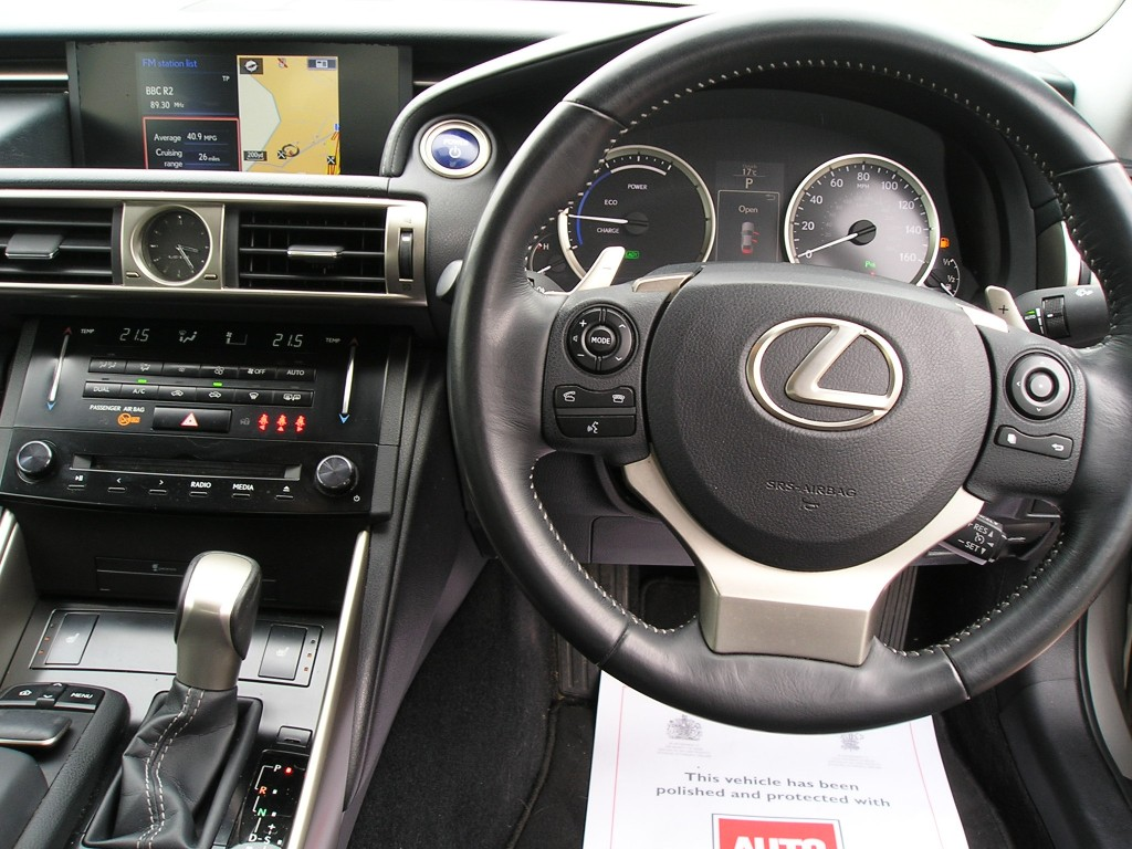 LEXUS IS 2.5 300H LUXURY 4DR CVT