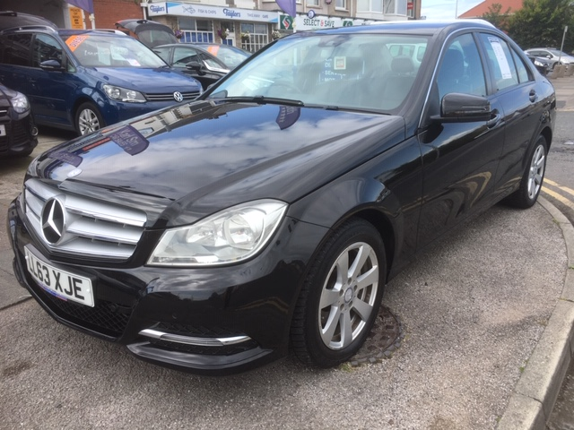 MERCEDES-BENZ C-CLASS 2.1 C220 CDI BLUEEFFICIENCY EXECUTIVE SE 4DR AUTOMATIC