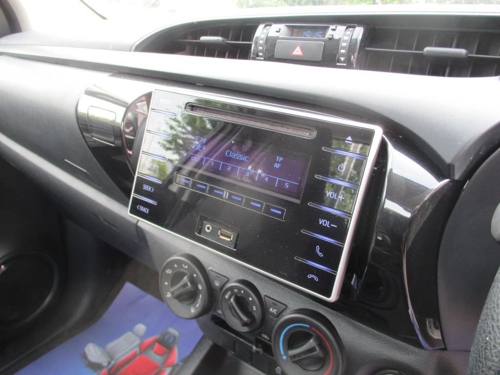 TOYOTA HI-LUX 2.4 ACTIVE 4WD D-4D S/C