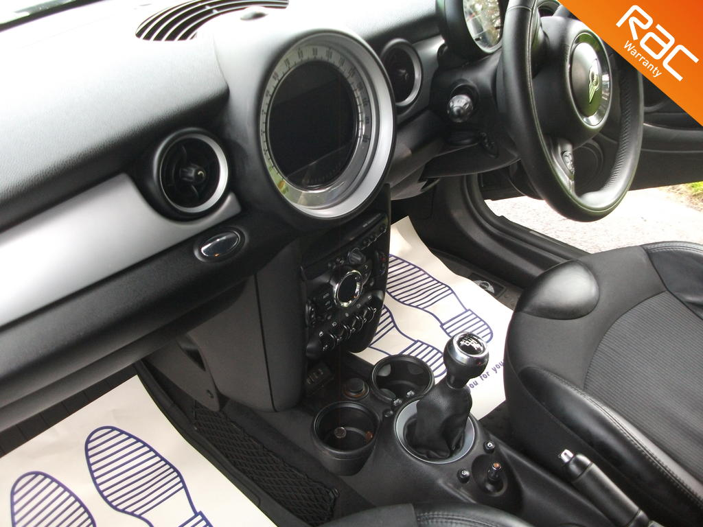 MINI CLUBVAN DIESEL CAR DERIVED VAN 1.6 COOPER D