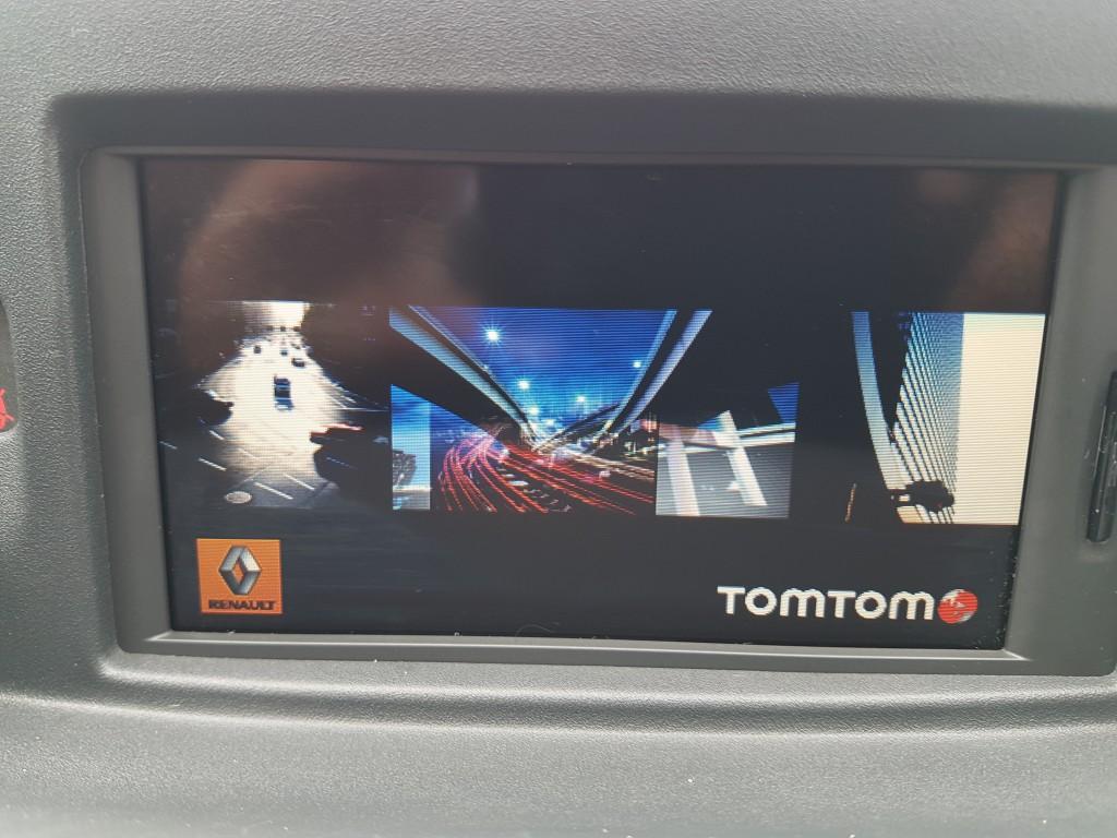 RENAULT CLIO 1.1 DYNAMIQUE TOMTOM TCE 5DR