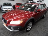 VOLVO XC70 XC70 2.0 D3 SE 5 DOOR ESTATE AUTO 4WD LEATHER INTERIOR CLIMATE CONTROL 2.0 DIESEL FSH METALLIC RED