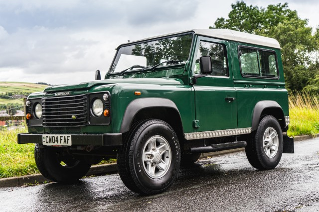 Used LAND ROVER DEFENDER 2.5 90 TD5 in Lancashire