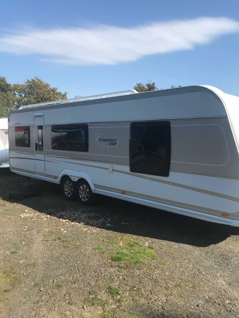 LMC 695 with walker full awning For Sale in Abersoch - A P ...